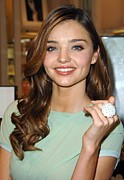 Natural Makeup Photo Posters - Miranda Kerr At In-store Appearance Poster by Everett