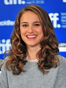 2010s Hairstyles Posters - Natalie Portman At The Press Conference Poster by Everett