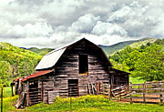 Old Home Place Prints - Old Barn  Print by Susan Leggett