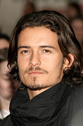 Orlando Bloom Photos - Orlando Bloom At Arrivals For Kingdom by Everett