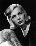 1950s Portraits Photo Prints - Paid In Full, Lizabeth Scott, 1950 Print by Everett