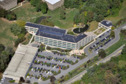 Commercial Real Estate Aerial Photographs Prints - 1 Radnor Corporate Center Strafford PA 19087 Print by Duncan Pearson