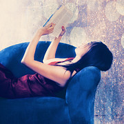 Asian Photos - Reading by Joana Kruse