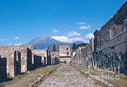 Ancient Ruins Prints - Ruins Of Pompeii Print by Photo Researchers, Inc.