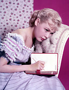 Teen Fashion Framed Prints - Sandra Dee, C. 1959 Framed Print by Everett
