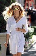 Gold Necklace Metal Prints - Sarah Jessica Parker Wearing A Halston Metal Print by Everett
