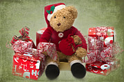 Teddybear Prints - Teddy at Christmas Print by Louise Heusinkveld