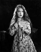 Jt-26 Posters - The Wind, Lillian Gish, 1928 Poster by Everett