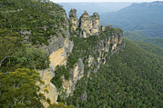 Three Sisters Prints - Three Sisters Rock Formation, Australia Print by Tony Camacho