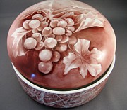 Round Ceramics - 116 Round Box Wipe Out Grapes by Wilma Manhardt