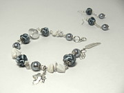 White Pearl Jewelry - Bracelet and earrings by Gorean Olga