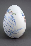 Easter Ceramics - 1537 Bisque Egg with Enamel by Wilma Manhardt