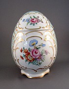 Signed Ceramics - 1544 German  Egg Box by Wilma Manhardt