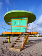 Bauhaus Photo Prints - 15th St Lifeguard Hut II Print by Frank Boellmann
