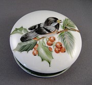 Round Ceramics - 1647 Chickadee Box by Wilma Manhardt
