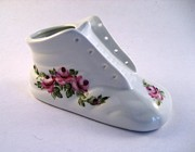 Signed Ceramics - 1707 Baby Shoe pink roses by Wilma Manhardt