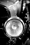 Man Cave Photo Framed Prints - 1925 Lincoln Town Car Headlight Framed Print by Sebastian Musial