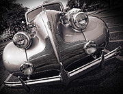 Buick Grill Prints - 1939 Buick Eight Print by Gordon Dean II
