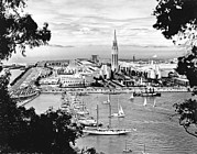 Bay Bridge Photos - 1939 Treasure Island View by Underwood Archives