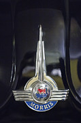 Traveller Photos - 1957 Morris Minor 1000 Traveller Emblem by Jill Reger