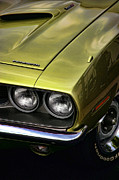 Plymouth Barracuda Framed Prints - 1971 Plymouth Barracuda 360 Framed Print by Gordon Dean II