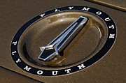 Numbers Digital Art - 1971 Plymouth GTX HEMI Hood Ornament by Gordon Dean II