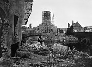 Rubble Photos - Civil War: Charleston, 1865 by Granger