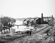Rubble Photos - Civil War: Fall Of Richmond by Granger