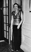 Long Skirt Framed Prints - Future Duchess Of Windsor Wallis Framed Print by Everett