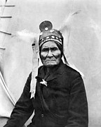 1901 Prints - Geronimo (1829-1909) Print by Granger