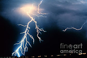 Cloud To Cloud Prints - Lightning Print by Science Source