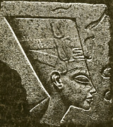 Scultpure Posters - Nefertiti, Ancient Egyptian Queen Poster by Science Source