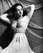 Bare Midriff Posters - Olivia De Havilland, 1941 Poster by Everett