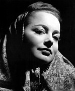 Kerchief Prints - Olivia De Havilland, 1946 Print by Everett