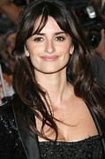 Penelope Cruz Framed Prints - Penelope Cruz At Arrivals For New York Framed Print by Everett