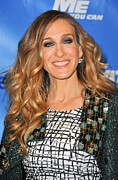 Sequins Framed Prints - Sarah Jessica Parker In Attendance Framed Print by Everett