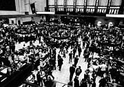Stock Markets Posters - Trading Floor Of The New York Stock Poster by Everett