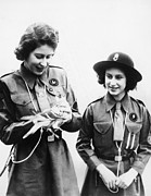 Queen Elizabeth Ii Metal Prints - World War Ii. Future Queen Of England Metal Print by Everett