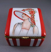 Hat Ceramics - 236 hinged box Lady in red. by Wilma Manhardt