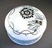 Flower Ceramics Originals - 240 Box in black gray and platinum by Wilma Manhardt