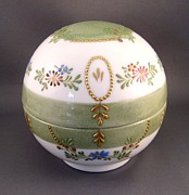 Signed Ceramics - 244 Truffle Box Raised Paste Gold Enamel by Wilma Manhardt