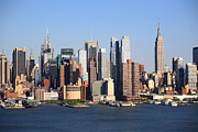 Business-travel Prints - New York City Skyline Print by Frank Romeo