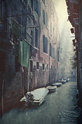 Washing Prints - Venezia Print by Joana Kruse