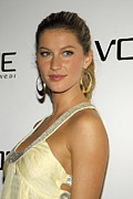 Gisele Bundchen Framed Prints - Gisele Bundchen At Arrivals For Vogue Framed Print by Everett