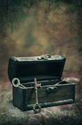 Casket Photos - Keys by Joana Kruse