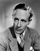 Howard Photos - Leslie Howard, Portrait by Everett