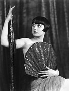1920s Hairstyles Framed Prints - Louise Brooks, Late 1920s Framed Print by Everett