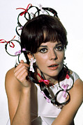 Hair Accessory Metal Prints - Natalie Wood Metal Print by Everett