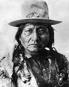 Great Plains Photos - Sitting Bull (1834-1890) by Granger