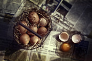 Newspaper Art - Eggs by Joana Kruse